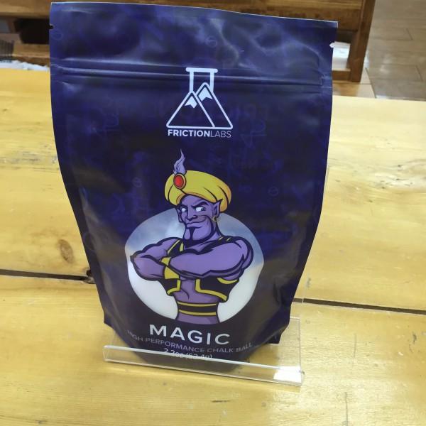 """""""MAGIC CALK BALL""""は手で握った時にだけしっかりと出る、生地にこだわった魔法のようなのようなチョークボールです。"""