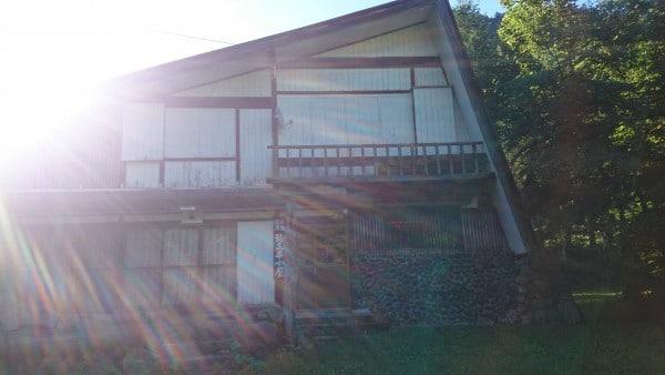 穂高平山荘。こちらはまだ営業されておりません。