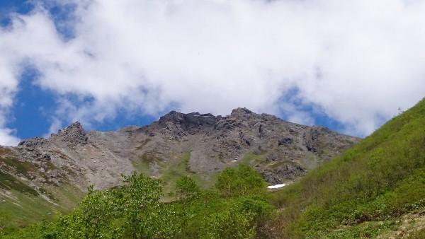 あちらは槍ヶ岳山荘。まだまだ遠いです。